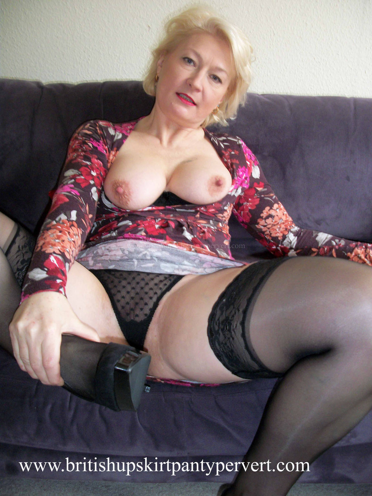 Upskirt British 121